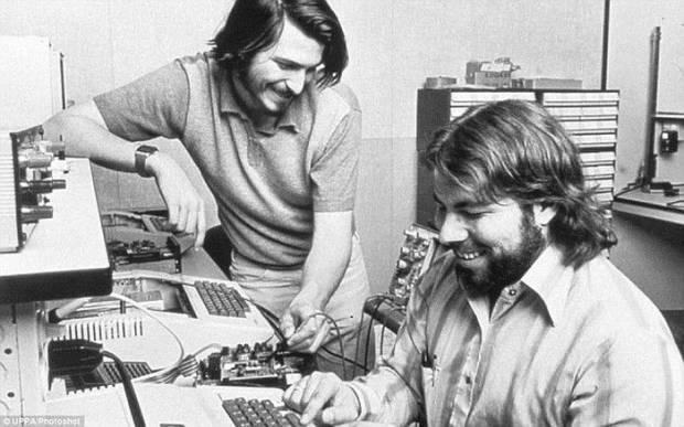 Berawal Dari Dua Sahabat, Begini Awal Mula Berdirinya Apple