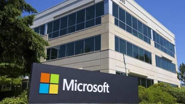 Asyik, Seluruh Staf Microsoft Diguyur Bonus Rp21,7 Juta Selama Pandemi