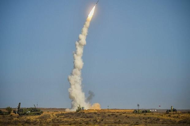 Rusia Tunjukkan Sistem Rudal Canggih S-500 yang Sedang Beraksi