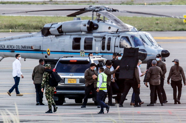 Kolombia Tangkap 10 Orang Terkait Penembakan Helikopter Presiden