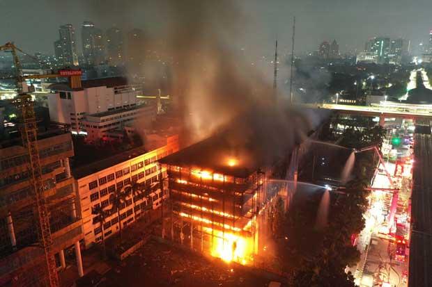 Lima Terdakwa Kasus Kebakaran Gedung Kejagung Divonis 1 Tahun Penjara