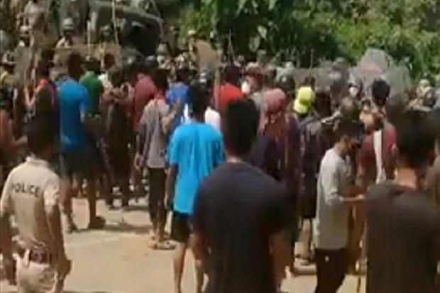 Dua Negara Bagian India Bentrok Maut, 7 Tewas Termasuk 6 Polisi