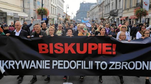 Komisi Negara: Hampir 30% Tersangka Pedofilia di Polandia adalah Pastor