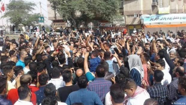 Demonstran Iran: Belanjakan untuk Infrastruktur, Bukan Milisi Asing