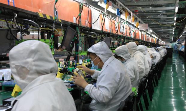 Foxconn Kekurangan 200.000 Pekerja Jelang Peluncuran iPhone 13