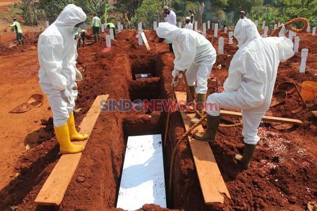 Kasus Aktif Covid-19 Turun Drastis tapi Angka Kematian Masih Tinggi
