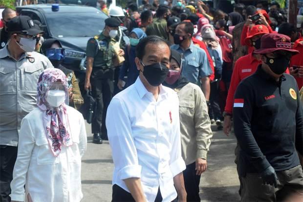 Jokowi Larang Sekolah di Daerah PPKM Level 4 Gelar PTM