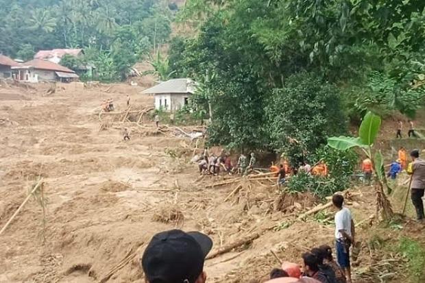 Cuaca Ekstrem Sepekan ke Depan, Banjir-Tanah Longsor Incar Pulau Jawa