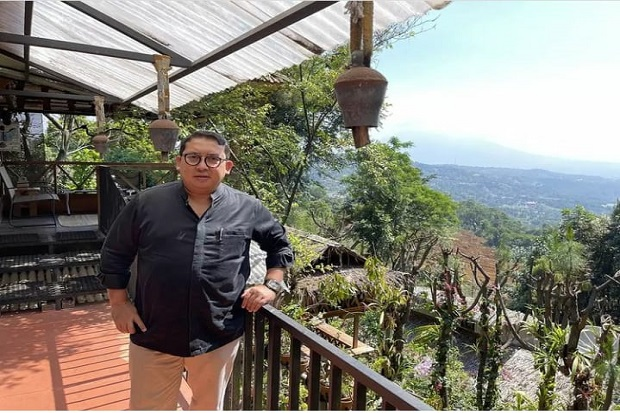 Fadli Zon Main ke Rumah Rocky Gerung, Warganet: Rumahnya Nyaman Banget