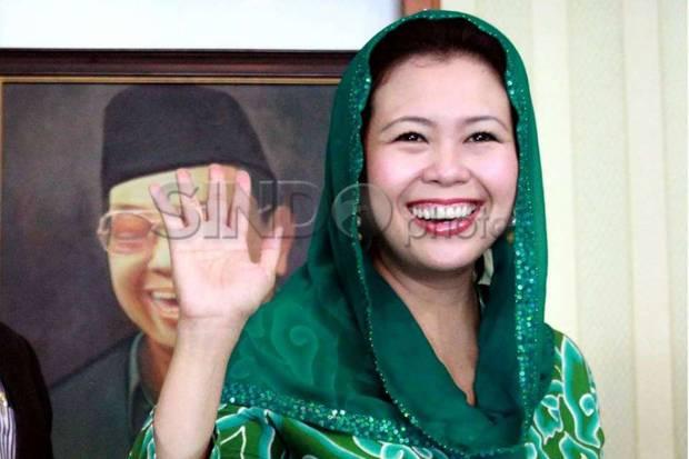 Canda Yenny Wahid Sering Dikira Anak Pertama Gus Dur
