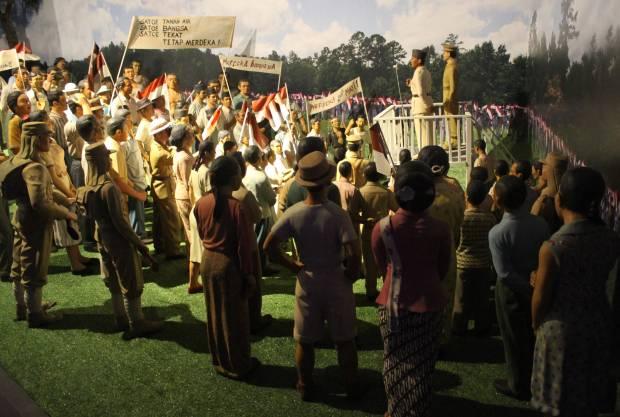 19 September 76 Tahun Lalu: Rapat Raksasa Lapangan Ikada dan Pidato Soekarno yang Menenangkan Massa