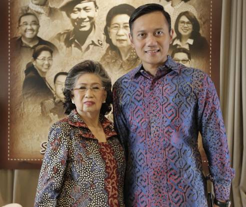 Mertua SBY Wafat, AHY Sebut Eyang Panutan Keluarga, Pamonge Jagat