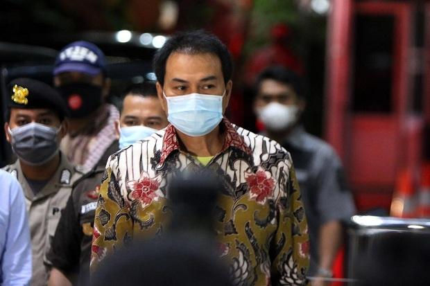 KPK Tangkap Aziz Syamsuddin di Rumah Orangtuanya