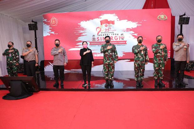 Dihadiri Panglima TNI dan Kapolri, Alumni Akabri 1996 Bagikan Paket Sembako di Tangerang