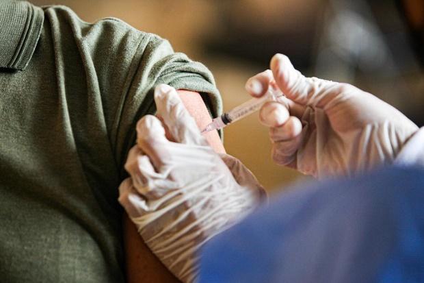 Hingga 10 Oktober, Sudah 100.189.038 Masyarakat Terima Vaksin Dosis Pertama